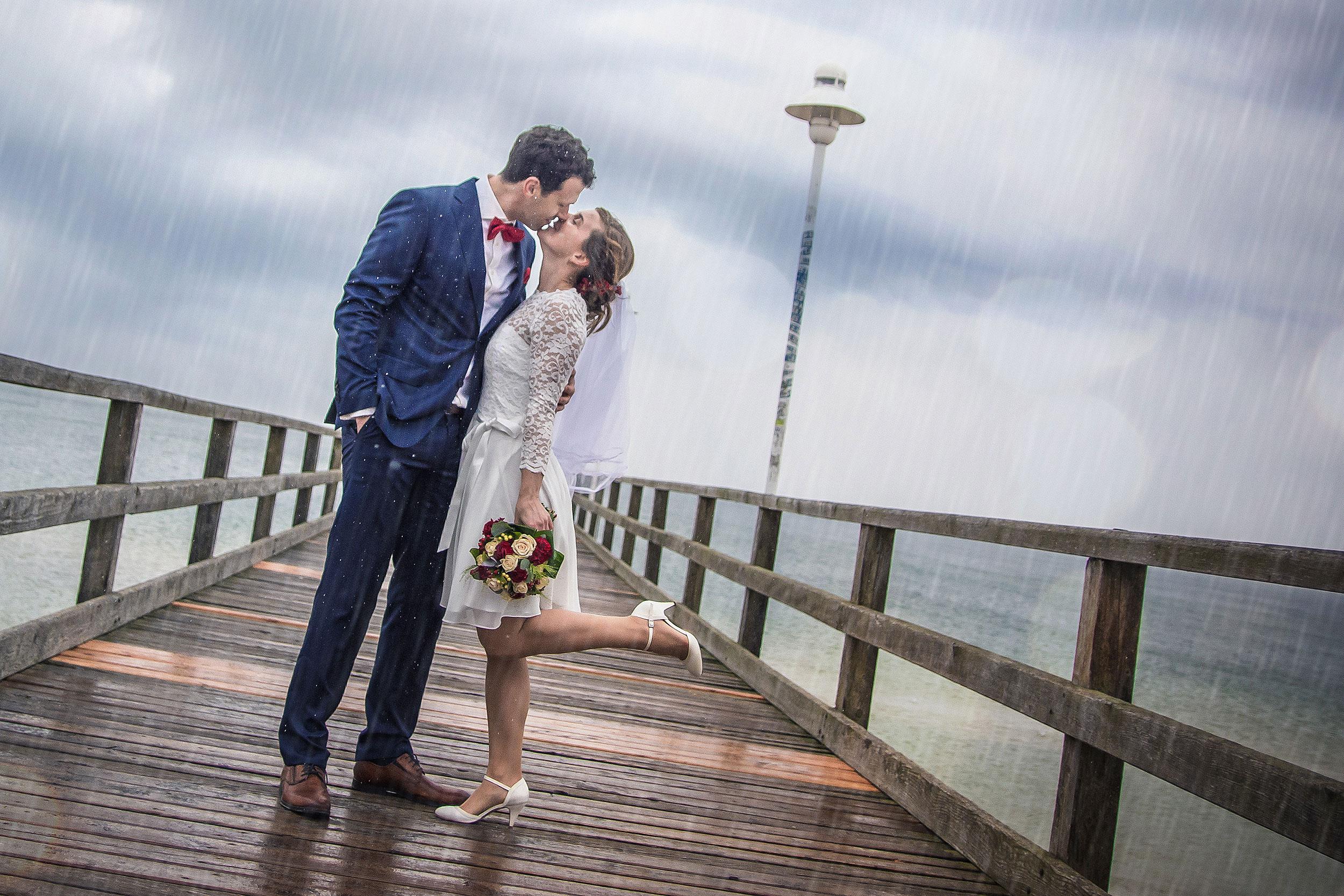 Hochzeitsfoto Seebrücke Zinnowitz Regen
