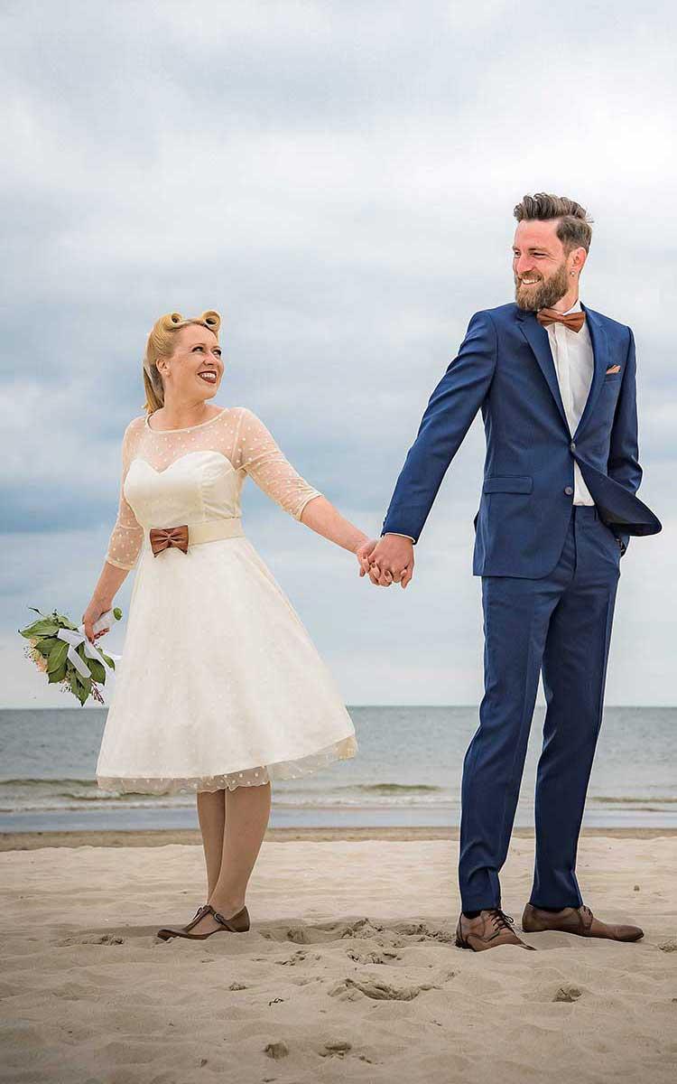 Brautpaar am Strand der Insel Usedom